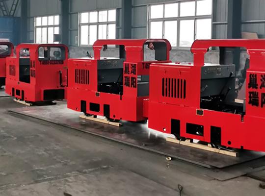 CCG3.0/600/762/900型矿用防爆柴油机车